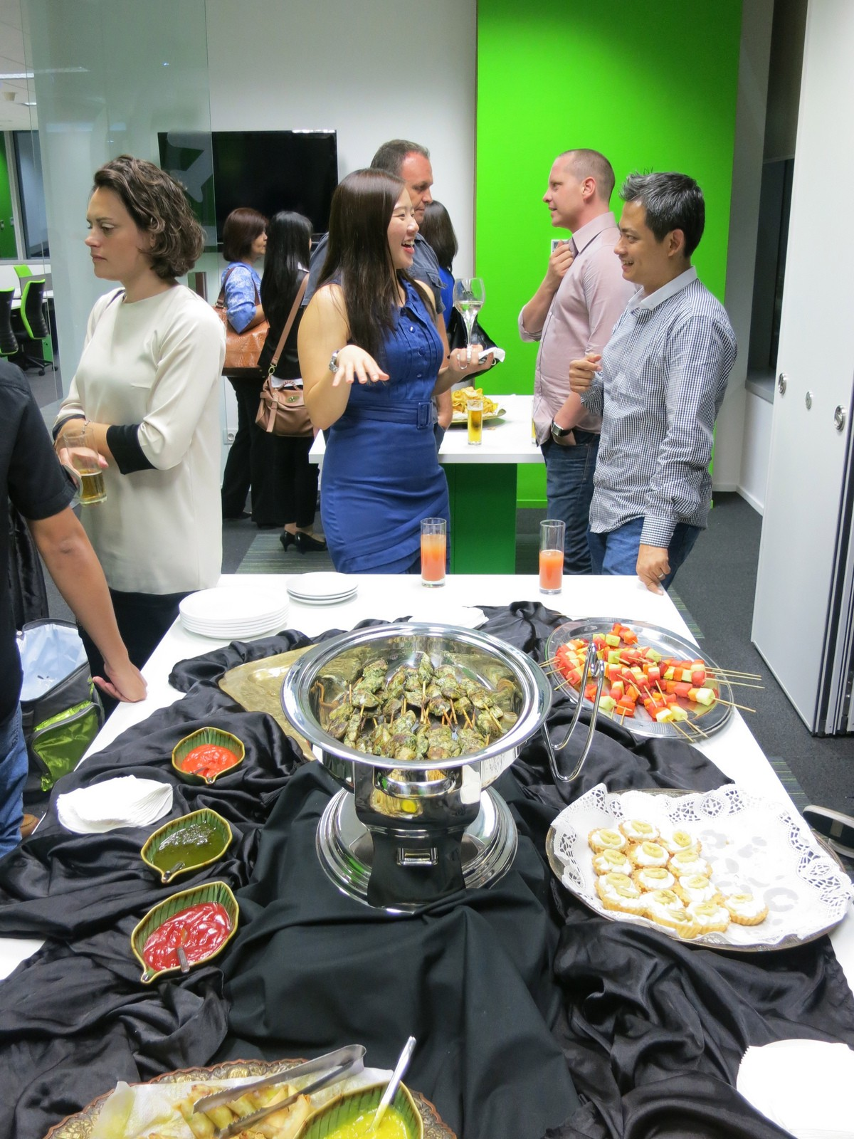 Hosting a Holiday Party with Ease: Rent a Meeting Room Space