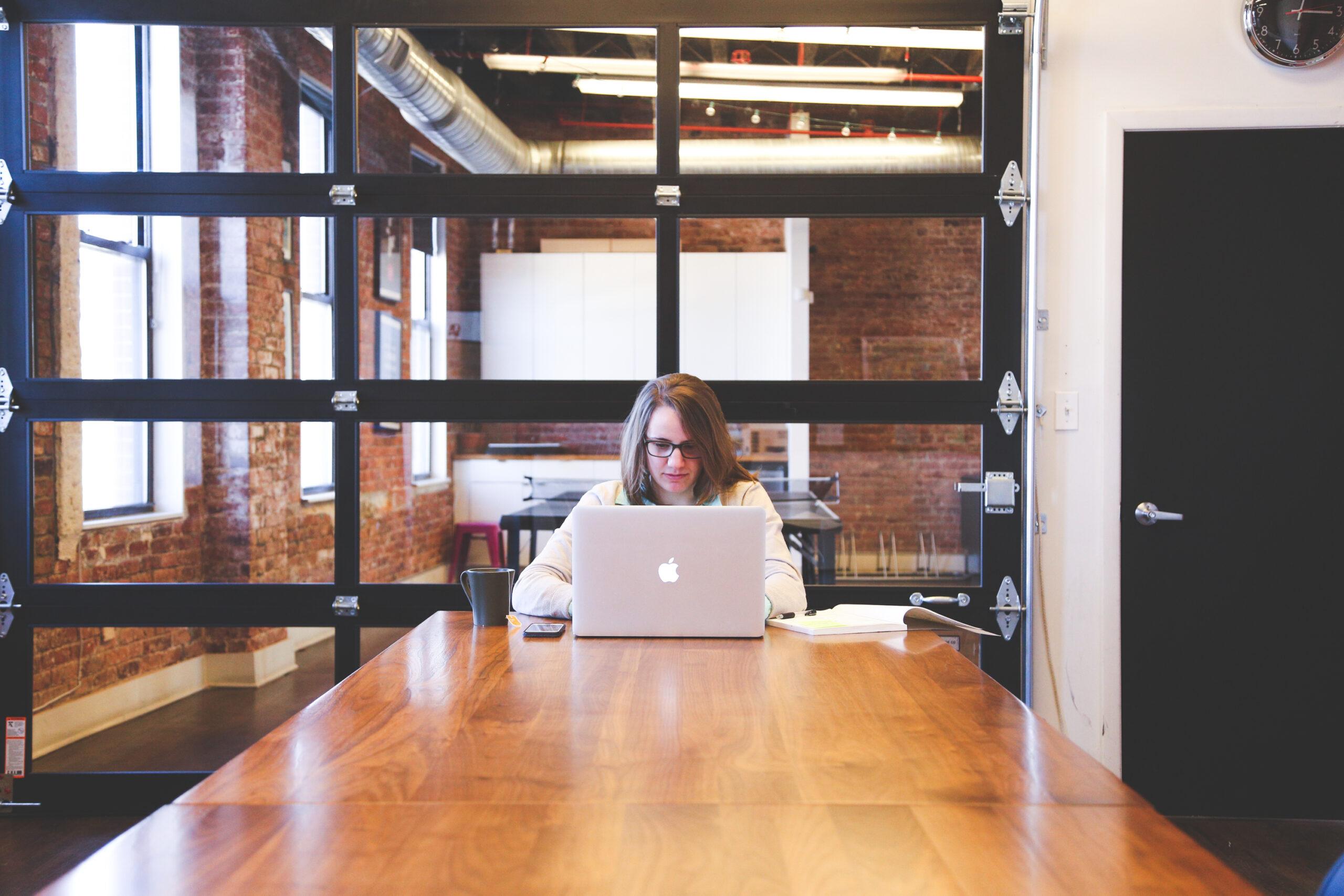 Deux exemples d'entreprises parfaites pour le bureau virtuel