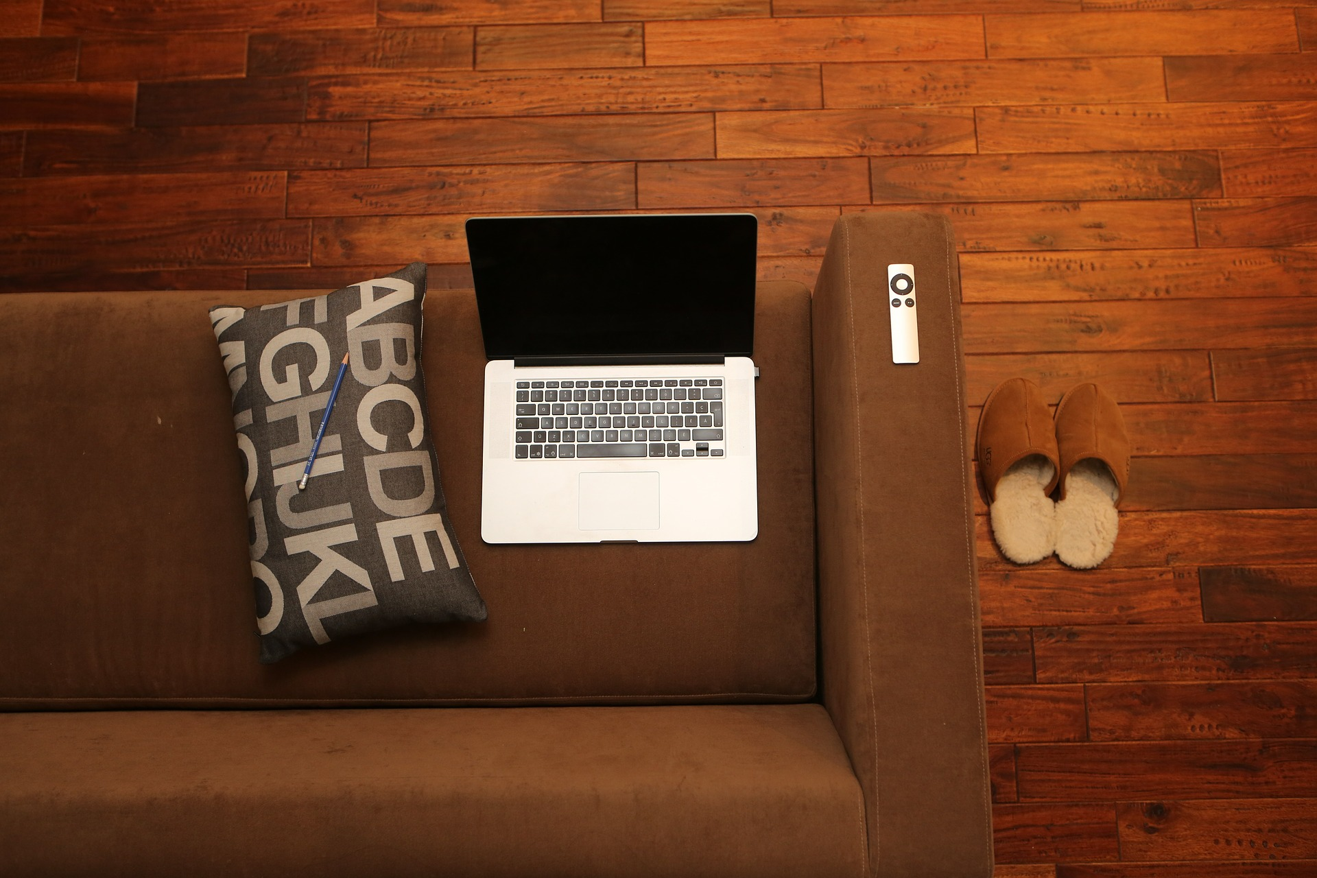 Co-Working Spaces Vs. Working from Home