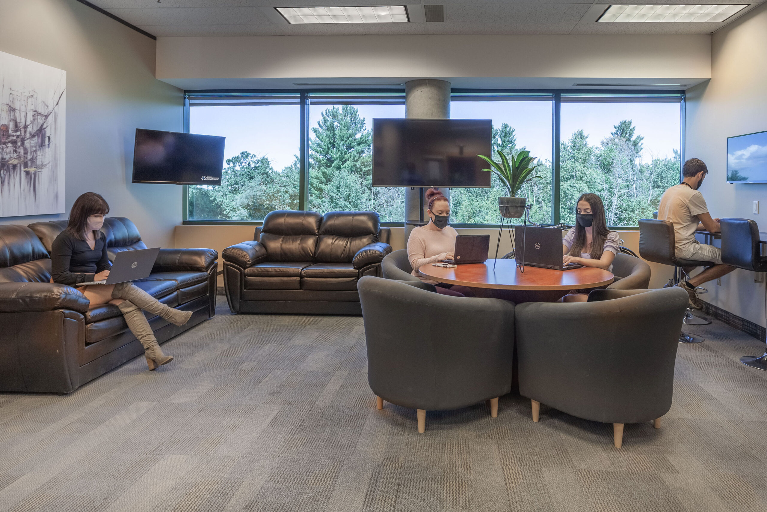 What is the difference between Virtual Services, Meeting Rooms, Co-working and Executive Offices?